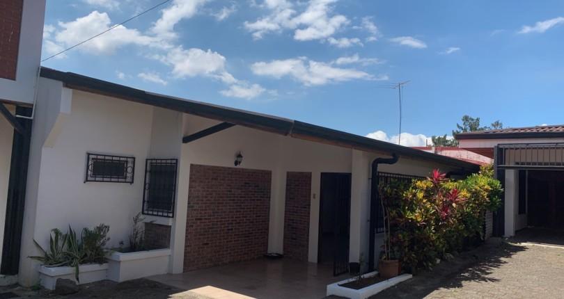 R 71 Single level apartment in a very private family complex in bello horizonte escazu near el cruce