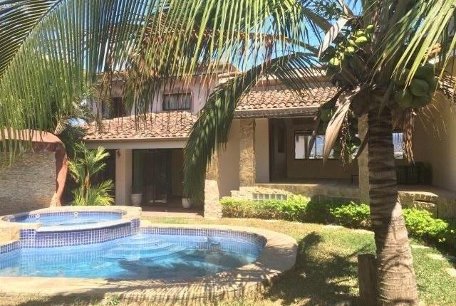 R 2309 Detached  5 bedroom  house,  Mediterranean style  with pool in  Urbanizacion Pinar del Rio  Guachipelin.