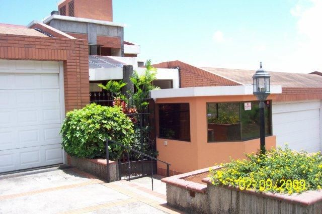 R 750 Building with great excellence and magnificent views, appliances in first floor, garden near Paco Mall