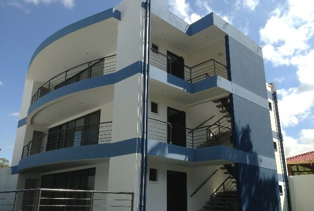 R 1195 Penthouse Modern apartments with fine finishes  located in Rio Oro de Santa Ana