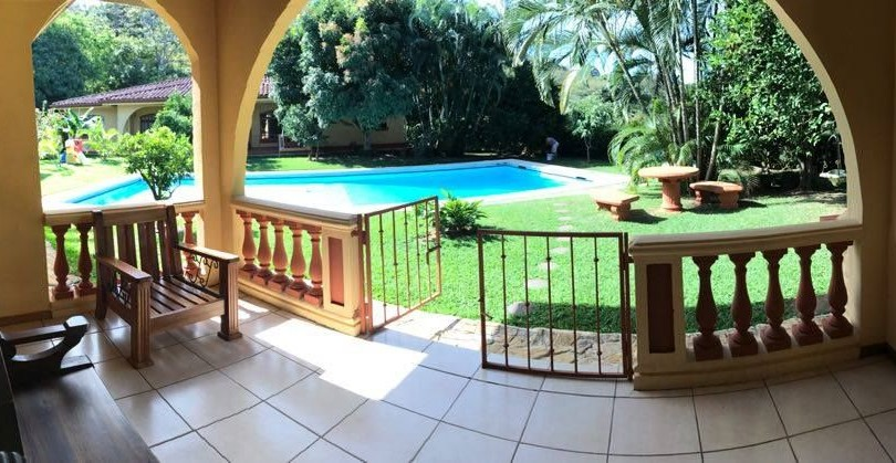 F 2559 Furnished and fully equipped apartment in a complex with large green areas, view, swimming pool, public transport and business area, close by Brasil de Santa Ana