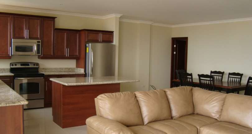 F 2638 352 A SPACIOUS 3 BEDROOM FURNISHED APARTMENT IN THE VALLE ARRIBA COMPLEX, JUST 800 METERS FROM THE SHOPPING AREA OF SAN RAFAEL DE ESCAZU 352
