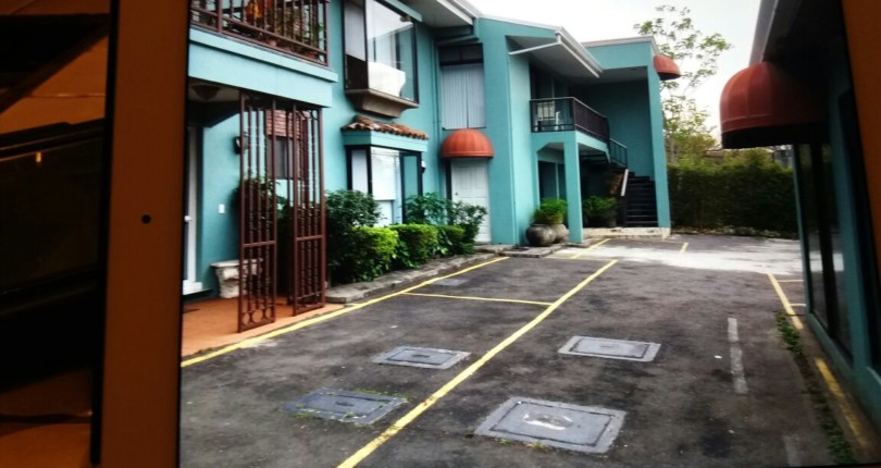 R 2358 Two bedroom apartment single level  with appliances in Guachipelin de Escazu