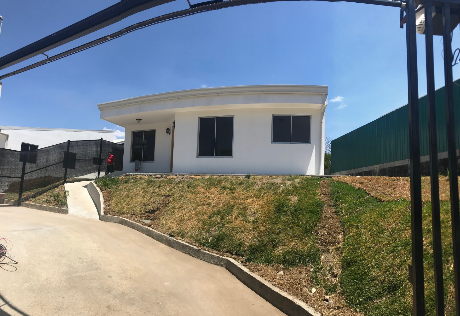 R 2912 Brand New Sigle Level Home In An Excellent Location