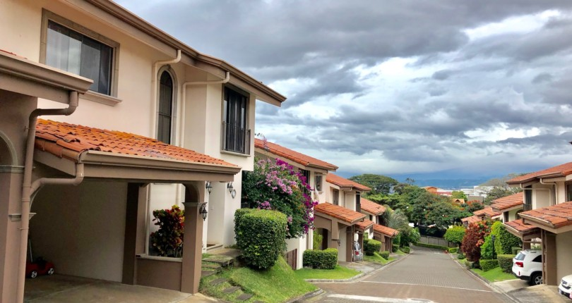 C 3007 House in condominium in an excellent location in Guachipelin de Escazu a few steps from schools and colleges