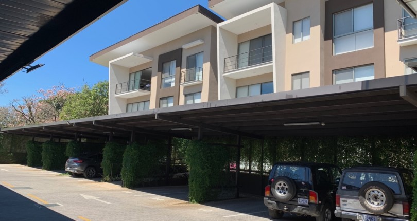 R 3042 Modern 2 bedroom apartment with appliances in highrise in Brasil de Santa Ana