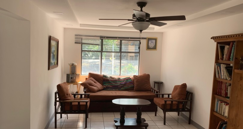 F 3071 Single-level furnished duplex house adjoining the Guachipelin sports center and close to the commercial area