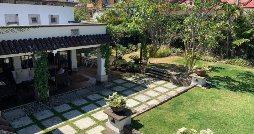 H 864 Luxury Home In one of the most prestigious neighborhoods of Escazu
