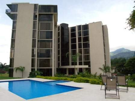R 142 Luxury building just steps from the Mall Paco in Escazu