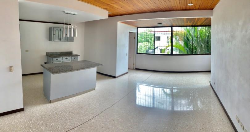 R 3136 Single bedroom Studio in Urbanizacion Los Anonos a few steps from the commercial area San Rafael de Escazu