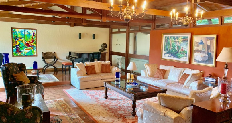 F 3173 Fabulous, spacious single level furnished house surrounded by large gardens full of vegetation in a private residential a few meters from Escazu Centro