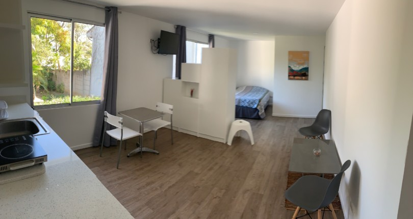 F 3262 Studio of a single room furnished with all services a few steps from the Paco Shopping Center Escazu
