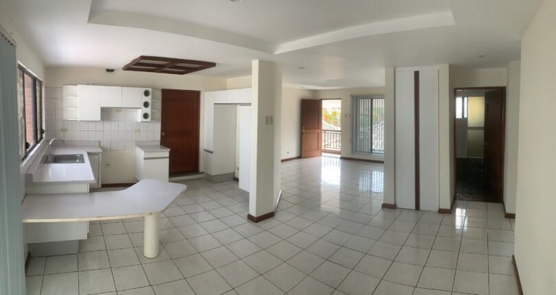 R 3327 2 bedroom condo in Bello Horizonte Escazu.Great Family Compound, Great common areas