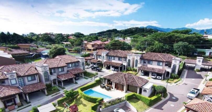 R 3374 4 bedroom Town house in La Reserva condominium in Guachipelin de Escazu