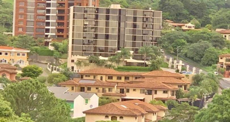 R 3780 Spacious apartment in Cerros de Mayorca near the Paco Shopping Center in Escazu