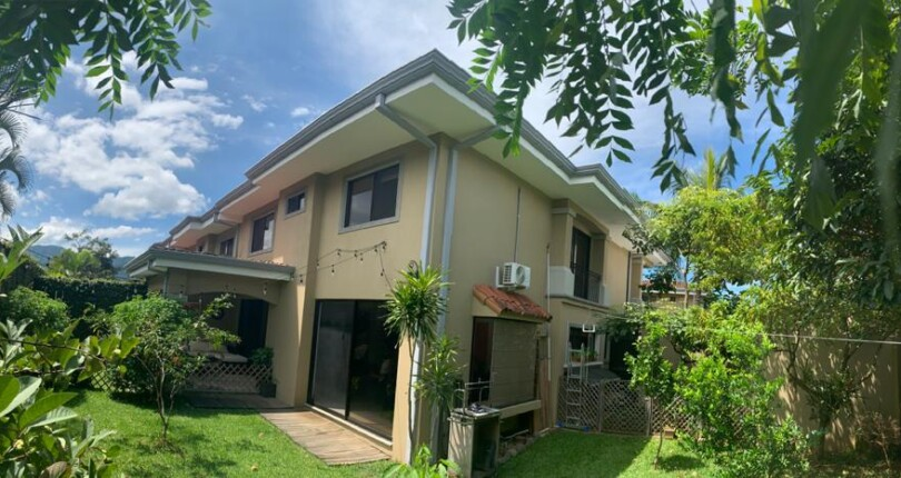 C 3178 A house in condominium with fabulous common area that includes a pool area, clubhouse, tennis court, gardens and children's play area