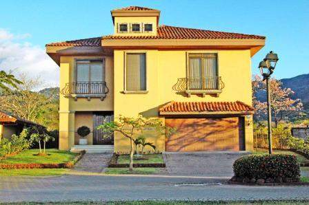C 141 House condominium with large green areas, private streets, Oro Sol in Santa Ana