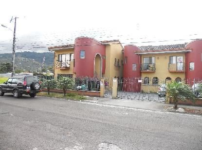 R 587 One level 2 bedroom  apartment with cable tv  in Santa Ana Centro