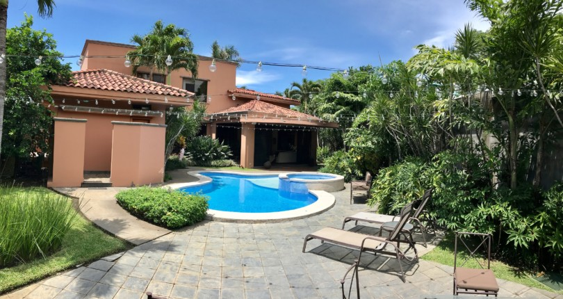 C2686 Fabulous house with fine finishes, Pool and spa in Bosque de Lindora Santa Ana with 4 master suites for sale
