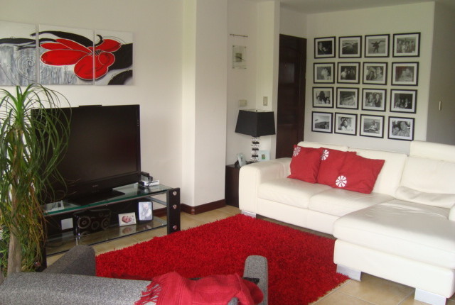 C 2762 A spacious 2 bedroom furnished apartment in the Valle Arriba complex, just 800 meters from the shopping area of San Rafael de Escazu 136