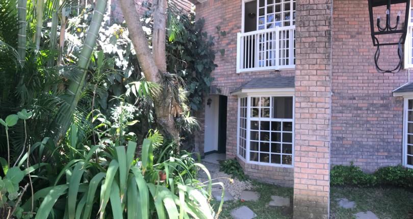 R 2629 First floor apartment in STYLISH BUILDING in Alto de las Palomas, Escazu