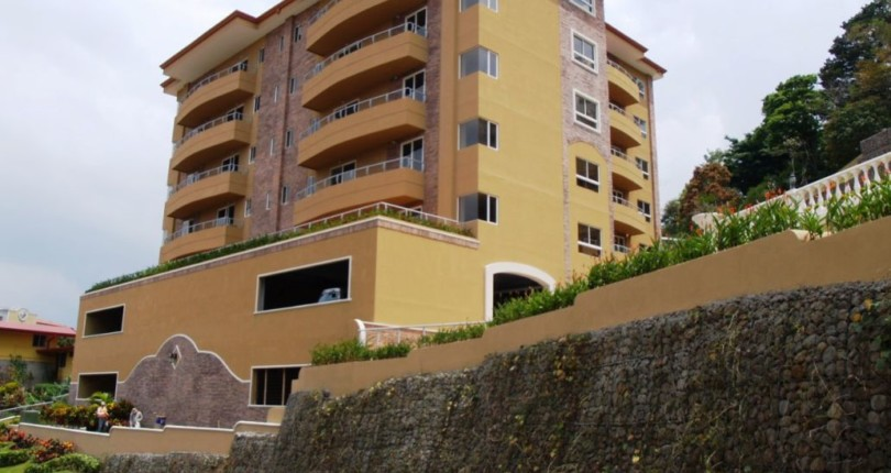 C 2520 SPACIOUS 2 BEDROOM APARTMENT IN THE VALLE ARRIBA COMPLEX, JUST 800 METERS FROM THE SHOPPING AREA OF SAN RAFAEL DE ESCAZU 344