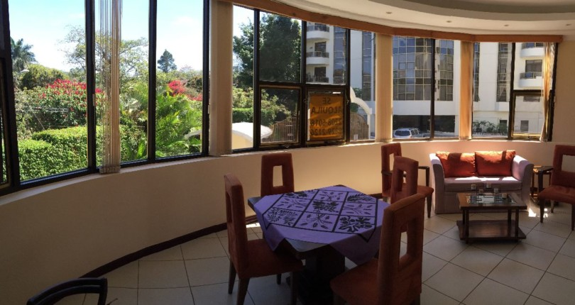 F 800 Comfortable, modern and fully furnished 1 Bedroom Condo in one of the most luxurious buildings of Escazu, just steps from shopping area  Riverside A205