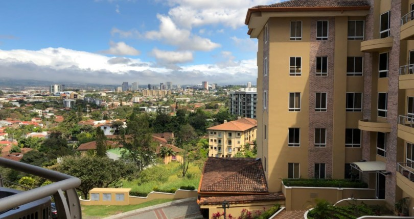 C 2906  A SPACIOUS 2 BEDROOM APARTMENT IN THE VALLE ARRIBA COMPLEX, JUST 800 METERS FROM THE SHOPPING AREA OF SAN RAFAEL DE ESCAZU 423