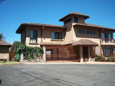 R  2948  Spectacular Panoramic Views 4 bedroom Home Modern Spanish Colonial with guest 2 bedroom apartament  in Vista de Oro Escazu