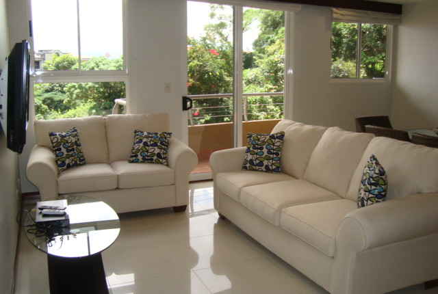 F 2736 A SPACIOUS 2 BEDROOM FURNISHED APARTMENT IN THE VALLE ARRIBA COMPLEX, JUST 800 METERS FROM THE SHOPPING AREA OF SAN RAFAEL DE ESCAZU 333