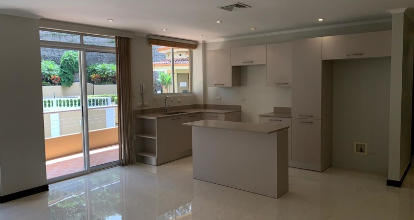 R 3227  A SPACIOUS 2 BEDROOM APARTMENT IN THE VALLE ARRIBA COMPLEX, JUST 800 METERS FROM THE SHOPPING AREA OF SAN RAFAEL DE ESCAZU 243