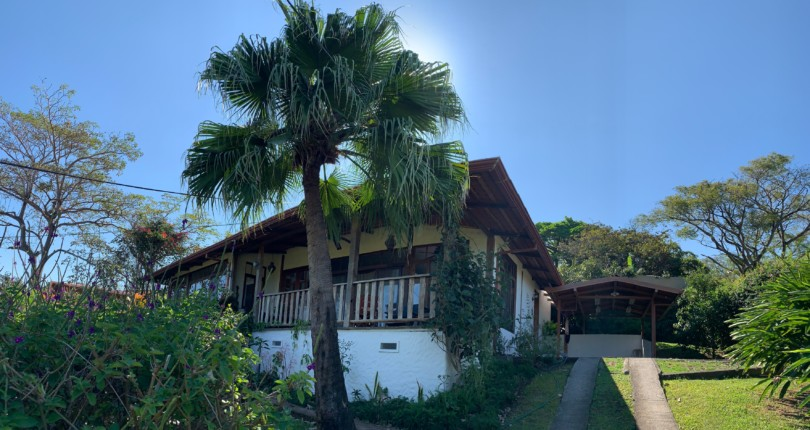 F 3244 Fabulous house in private residential with great view of the valley of the sun in Alto de las Palomas Santa Ana.