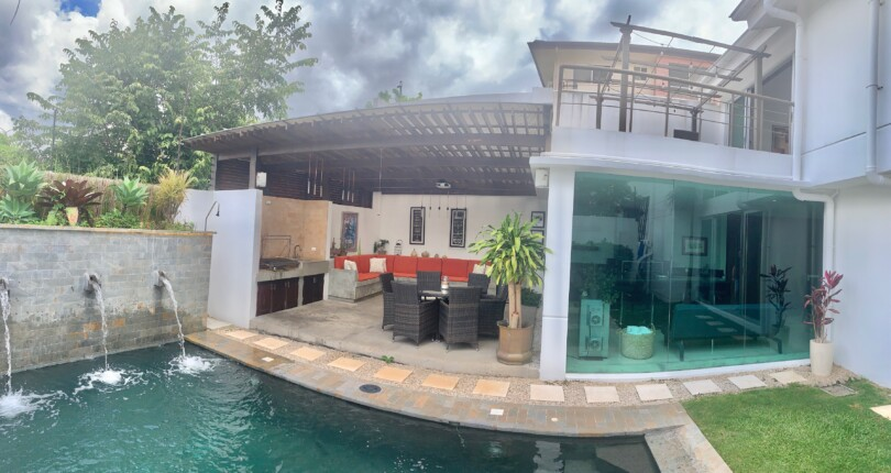 C 3322 A modern house with fine finishes with private pool in a 4-property condominium