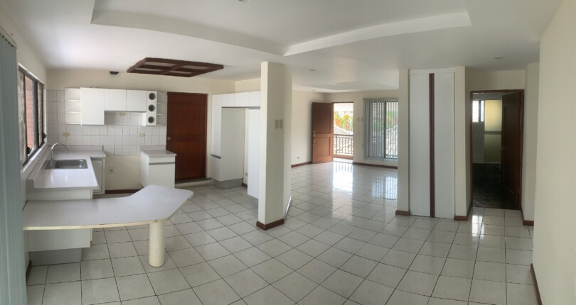 R 3327 2 bedroom condo in Bello Horizonte Escazu.Great Family Compound, Great common areas