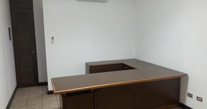 CC 3359   for rent  Office in Trejos Montealegre Mall, San Rafael de Escazu 22 m2