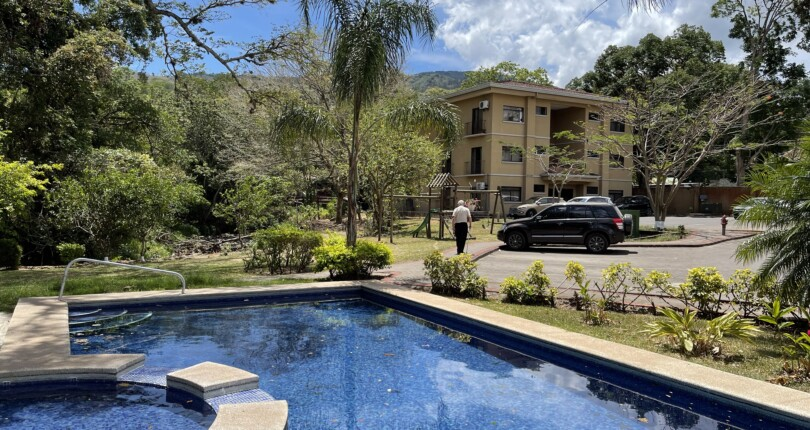 C 3801 Penthouse in a building in a comfortable condominium in Ciudad Colon with one bedroom