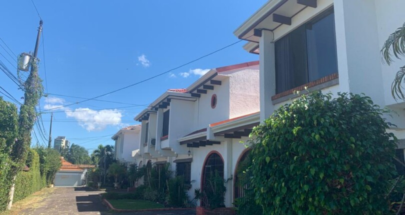 F 556 2 bedroom town house In one of the most exclusive neighborhoods of Escazu, Los Laureles