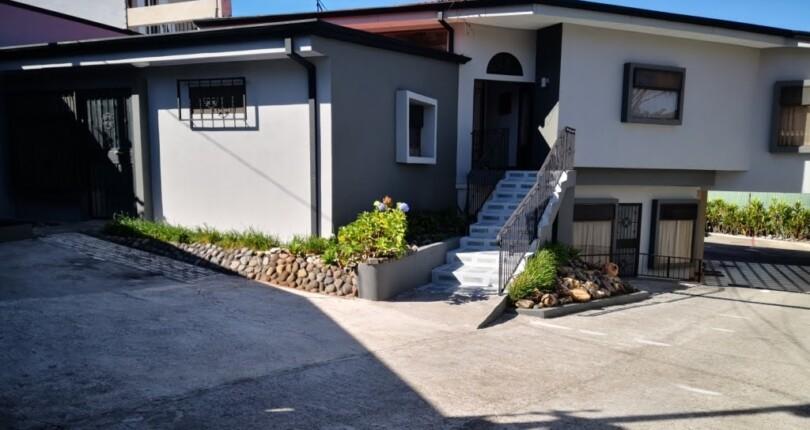 R 1068 Practical apartment in a Cul de Sac Neirghborhood In Guachipelin area next to Escazu CL2