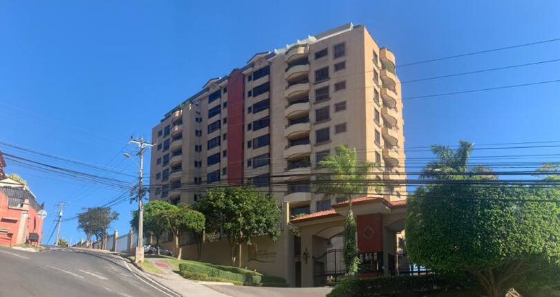 C 3824 In one of the most prestigious highrise in Escazu with fine finishes, 4 bedroom apartment 500 m2  on the 2nd floor in Valle de Tamarindo condominium.