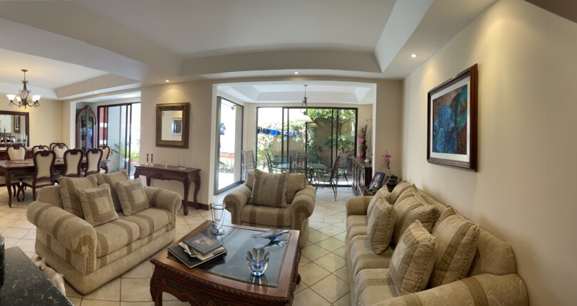 F 3847 Furnished House in condominium in an excellent location, with fabulous common areas