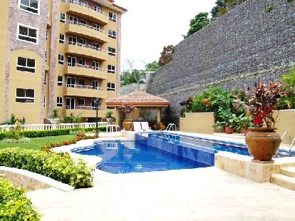 F 2172  A spacious 3 bedroom furnished apartment in the Valle Arriba complex, just 800 meters from the shopping area of San Rafael de Escazu  342