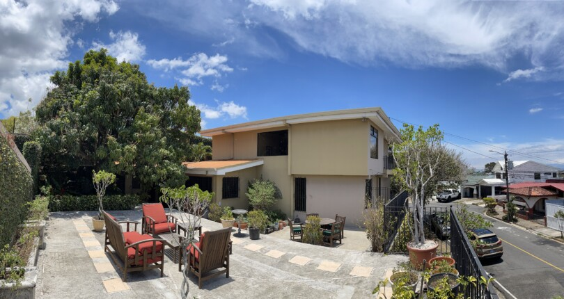 H 3850 Large luxury house with 4 bedrooms and independent loft  with private pool in San Rafael de Escazú. tooth in San Rafael de Escazu