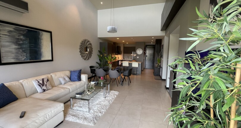 F 3861  Luxury furnished apartment in a residential concept in front of world gym and comercial area in Escazú. 3 bedrooms