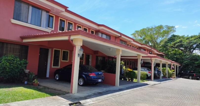 C 385 House in Florana condominium in La Caraña urbanization in Piedades de Santa Ana