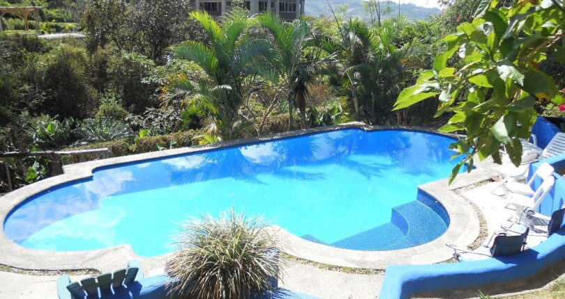 F 3890 Furnished apartment with a great views, secure, common area garden and pool in Alto de las Palomas Santa Ana